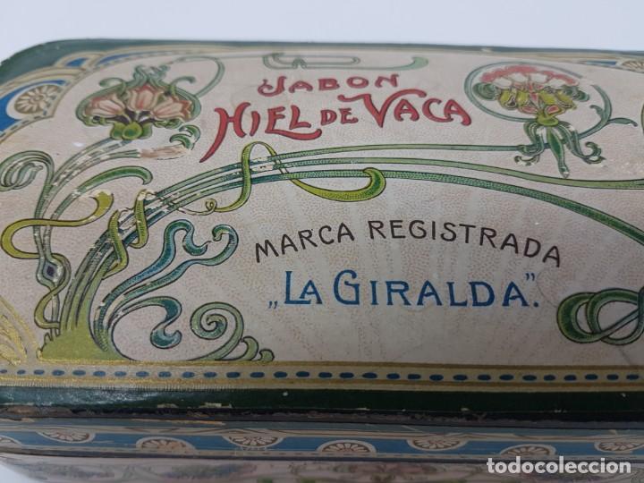 Cajas y cajitas metálicas: ANTIGUA CAJA DE CARTON LA GIRALDA ( JABÓN HIEL DE VACA ) AÑOS 20 - Foto 3 - 195887321