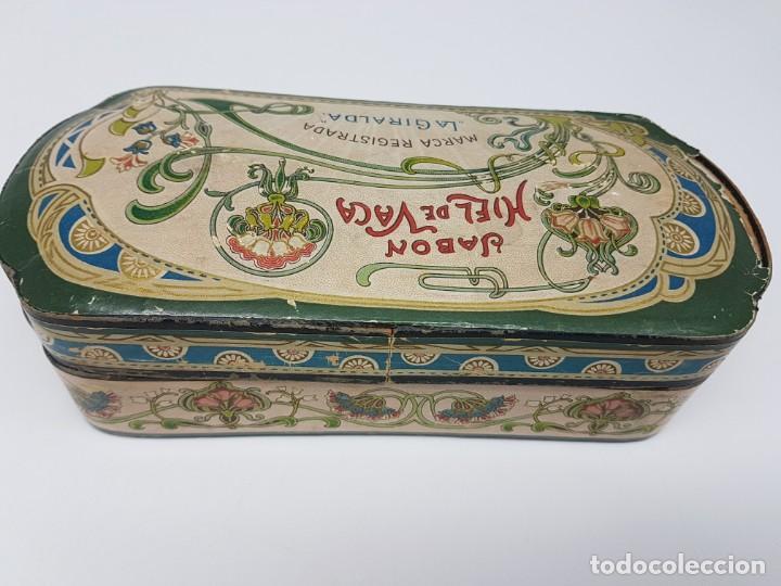 Cajas y cajitas metálicas: ANTIGUA CAJA DE CARTON LA GIRALDA ( JABÓN HIEL DE VACA ) AÑOS 20 - Foto 8 - 195887321