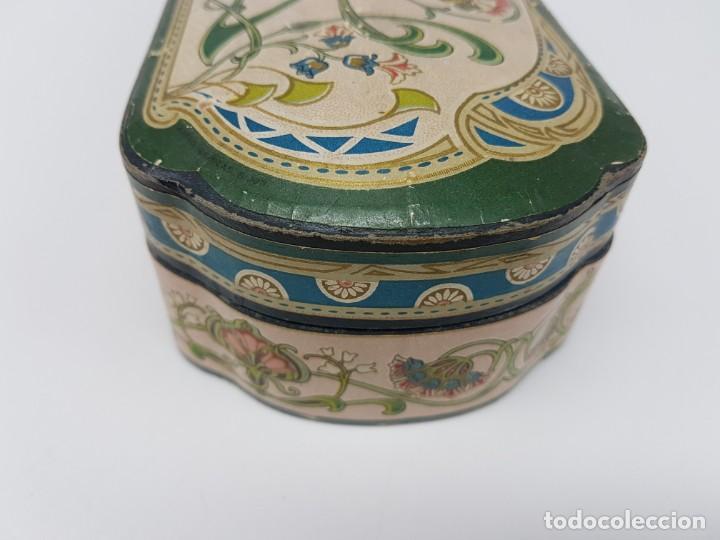 Cajas y cajitas metálicas: ANTIGUA CAJA DE CARTON LA GIRALDA ( JABÓN HIEL DE VACA ) AÑOS 20 - Foto 10 - 195887321