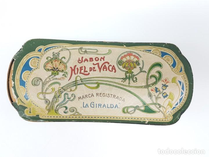 Cajas y cajitas metálicas: ANTIGUA CAJA DE CARTON LA GIRALDA ( JABÓN HIEL DE VACA ) AÑOS 20 - Foto 14 - 195887321