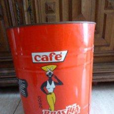 Cajas y cajitas metálicas: ENVASE DE LATA DE GRAN FORMATO. CAFÉ CASA BRASILIA. COLÁS Y GINÉ. REUS. TARRAGONA. 33 CM ALT -. Lote 197107710