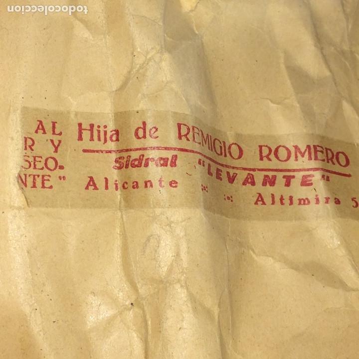 Cajas y cajitas metálicas: SACO DE PAPEL - FLOR DE MALVA - AÑOS 20 - ALMACEN DE DROGAS HIJA DE REMIGIO ROMERO - ALICANTE - Foto 3 - 197718852