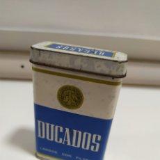 Cajas y cajitas metálicas: LATA PITILLERA DE DUCADOS ANTIGUA.MUY ROZADA.. Lote 198528510