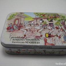 Cajas y cajitas metálicas: CAJA DE BOMBONES DE LA CONFITERÍA GOYA EN VITORIA. Lote 198710253