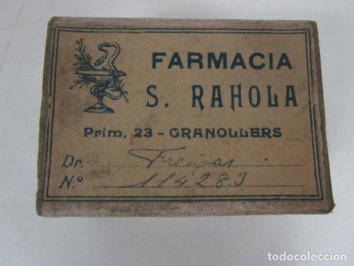 ANTIGUA CAJA DE MEDICAMENTO - FARMACIA S. RAHOLA, GRANOLLERS - DR FREIXAS - PRINCIPIOS S. XX (Coleccionismo - Cajas y Cajitas Metálicas)