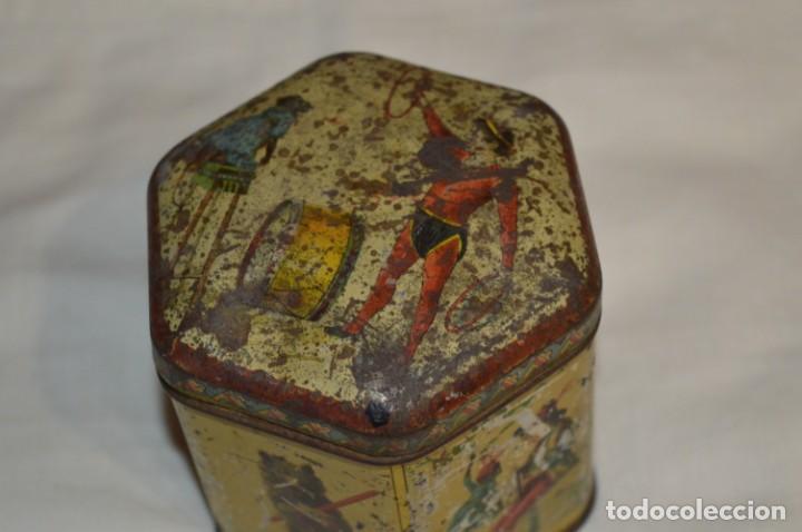 Cajas y cajitas metálicas: Vintage - Antigua CAJA / LATA DE HOJALATA - Forma HEXAGONAL - PRECIOSA / Muy, muy ANTIGUA - ¡Mira! - Foto 5 - 199766156