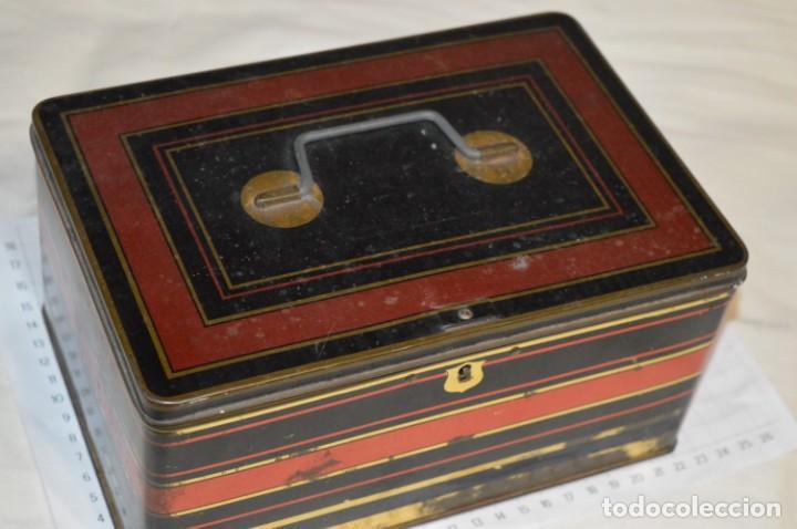 Cajas y cajitas metálicas: Lote 03 / Vintage 3 antiguas cajas de hojalata - Variadas y diferentes tamaños ¡Preciosas, MIRA! - Foto 5 - 203180776