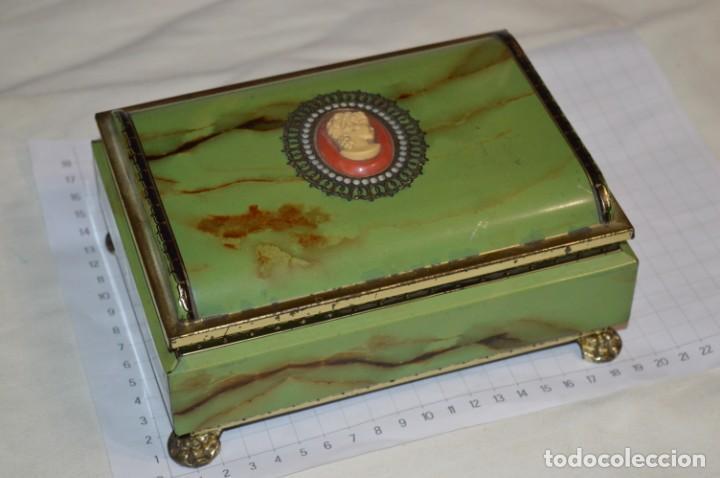 Cajas y cajitas metálicas: Lote 03 / Vintage 3 antiguas cajas de hojalata - Variadas y diferentes tamaños ¡Preciosas, MIRA! - Foto 8 - 203180776