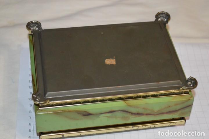 Cajas y cajitas metálicas: Lote 03 / Vintage 3 antiguas cajas de hojalata - Variadas y diferentes tamaños ¡Preciosas, MIRA! - Foto 12 - 203180776