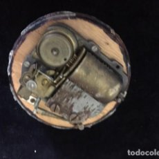 Boîtes et petites boîtes métalliques: ANTIGUA MAQUINARIA SUIZA PARA CAJA DE MÚSICA. Lote 203210231
