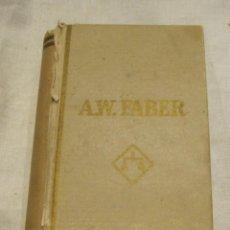 Cajas y cajitas metálicas: ANTIGUA CAJA A.W. FABER. EN FORMA DE LIBRO. REF. 2040. 12 X 7 X 2 CM. Lote 203609528