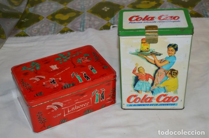 COLA-CAO / COLA CAO / LOTE 2 CAJAS ANTIGUAS, FORMATOS Y ÉPOCAS DIFERENTES / SEMOLA Y LABORES ¡MIRA! (Coleccionismo - Cajas y Cajitas Metálicas)