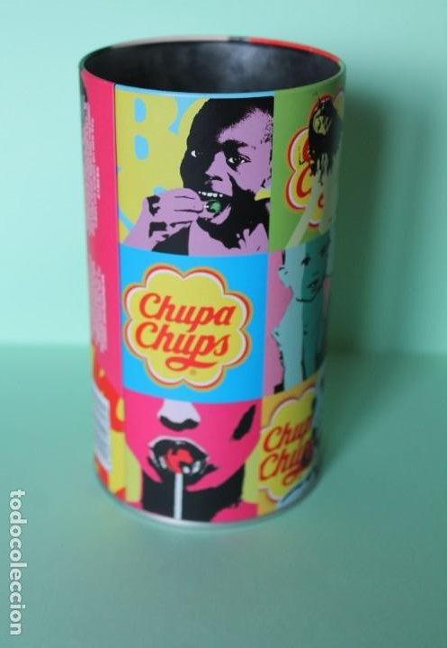 BOTE METALICO DE CHUPA CHUPS. 15,5 CM DE ALTO Y 8,5 CM DIAMETRO. POP ART. AÑOS 2009-2011. (Coleccionismo - Cajas y Cajitas Metálicas)