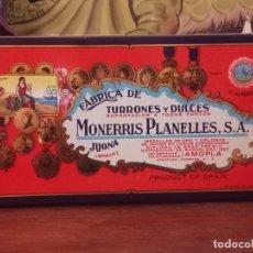 Cajas y cajitas metálicas: ANTIGUA CAJA DE TURRON EL ALMENDRO ( JIJONA ) MONERRIS PLANELLES. Lote 257735245