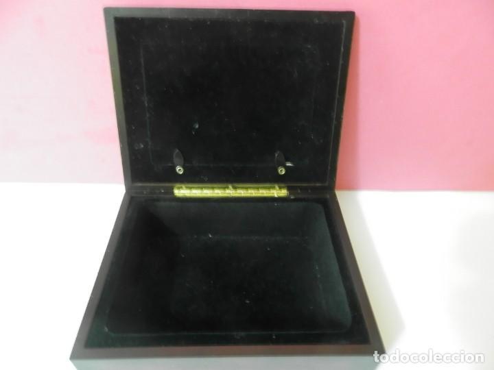 Cajas y cajitas metálicas: CAJA INTERIOR FORRADA DE TERCIOPELO. CRISTAL PARA FOTOGRAFIA. MARCO BRONCE - Foto 4 - 208682181
