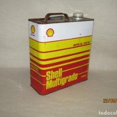 Cajas y cajitas metálicas: ANTIGUA LATA DE ACEITE DE 5 LITROS SHELL MULTIGRADO FABRICADA EN ESPAÑA EN CHAPA LITOGRAFIADA. Lote 209651901