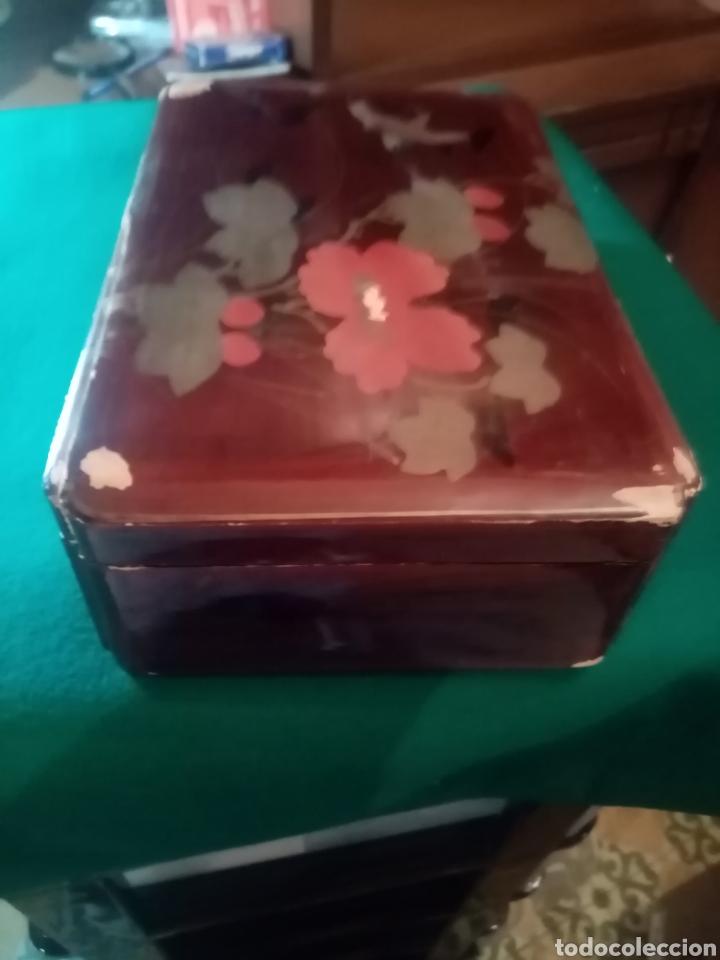 Cajas y cajitas metálicas: ANTIGUA CAJA DE MADERA CON FLORES PINTADA - Foto 4 - 211837051