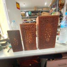 Cajas y cajitas metálicas: LOTE JUEGOS DE TRES CAJAS DE MADERA ANTIGUAS TALLADAS . VER FOTOS. Lote 214169713