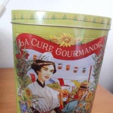 Cajas y cajitas metálicas: CAJA METALICA - LA CURE GOURMANDE - OLIVES AU CHOCOLAT. Lote 214560080