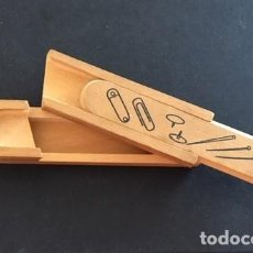 Boîtes et petites boîtes métalliques: PLUMIER MADERA MINIATURA, DOS PISOS, HECHO A MANO.. Lote 214750300