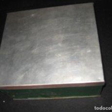 Cajas y cajitas metálicas: CAJA DE LA DE LOS AÑOS 40/50. Lote 217964750