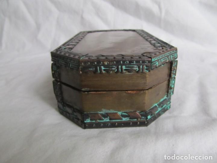 Cajas y cajitas metálicas: Caja joyero de madera forrada de cobre - Foto 4 - 218158166