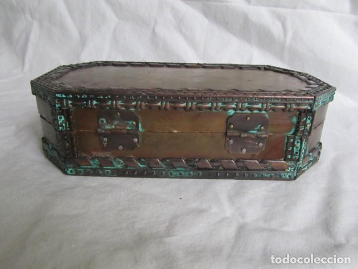 Cajas y cajitas metálicas: Caja joyero de madera forrada de cobre - Foto 5 - 218158166