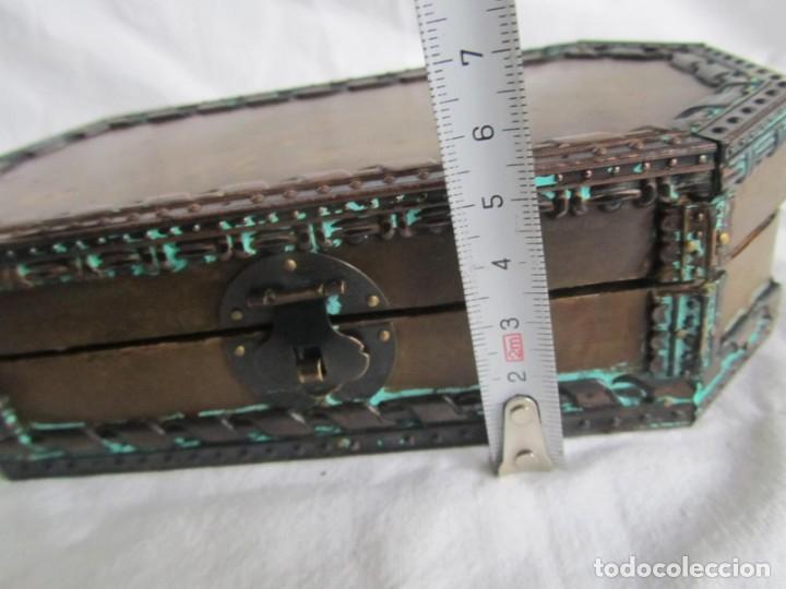 Cajas y cajitas metálicas: Caja joyero de madera forrada de cobre - Foto 11 - 218158166