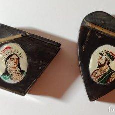 Cajas y cajitas metálicas: LOTE DE 2 CAJITAS PARA RAPÉ - SNUFF BOX VINTAGE. ASTA Y NÁCAR. PINTADAS A MANO. Lote 218479606