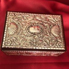 Cajas y cajitas metálicas: CAJA DE PLATA 925 TODA LABRADA. Lote 220693207