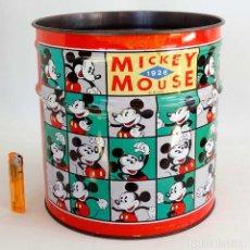 Cajas y cajitas metálicas: ANTIGUA PAPELERA MICKEY MOUSE. BIDÓN DE CHAPA. DISNEY AÑOS 80. Lote 221438290