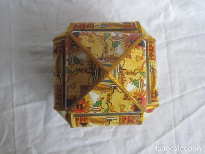 Cajas y cajitas metálicas: Curiosa caja de cartón plastificado tipo papiro, motivos del antiguo Egipto - Foto 6 - 224512302