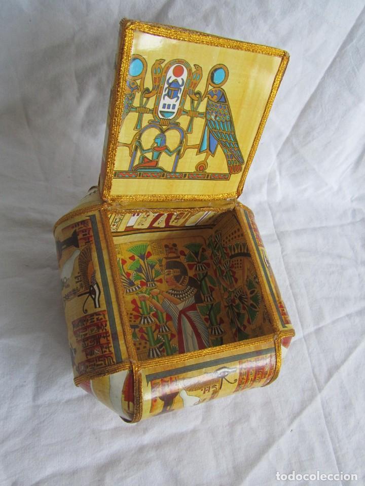 Cajas y cajitas metálicas: Curiosa caja de cartón plastificado tipo papiro, motivos del antiguo Egipto - Foto 9 - 224512302