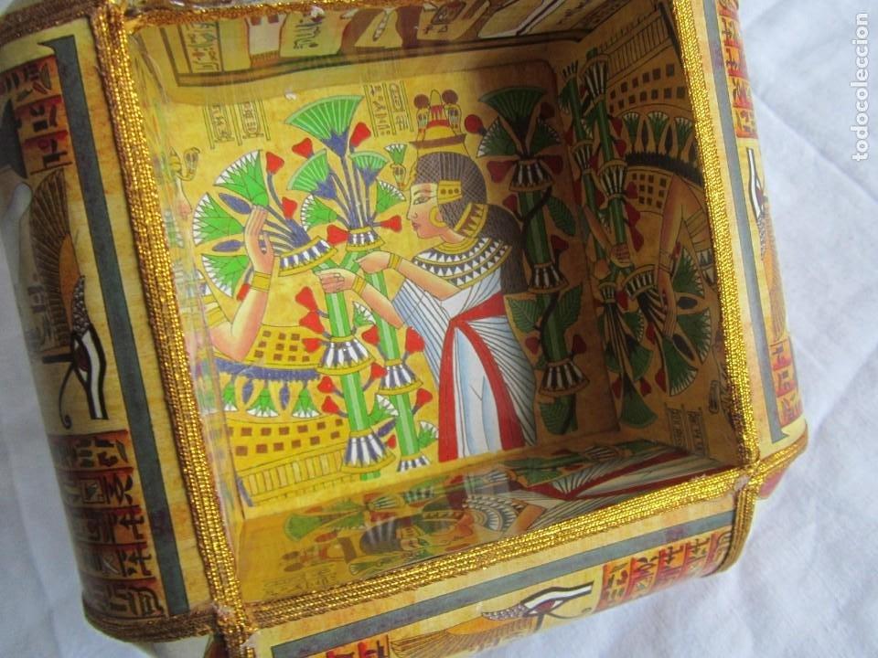 Cajas y cajitas metálicas: Curiosa caja de cartón plastificado tipo papiro, motivos del antiguo Egipto - Foto 10 - 224512302