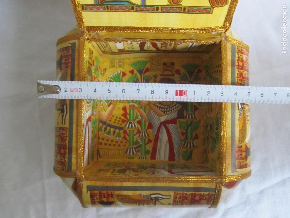 Cajas y cajitas metálicas: Curiosa caja de cartón plastificado tipo papiro, motivos del antiguo Egipto - Foto 12 - 224512302