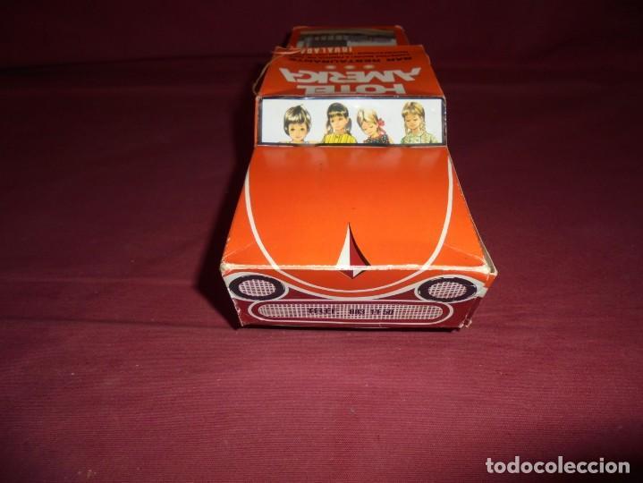 Cajas y cajitas metálicas: magnifica antigua caja de carton en forma de coche carquiyolis de igualada - Foto 2 - 224811588