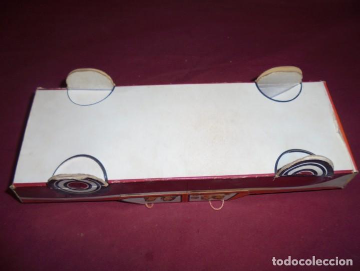 Cajas y cajitas metálicas: magnifica antigua caja de carton en forma de coche carquiyolis de igualada - Foto 6 - 224811588