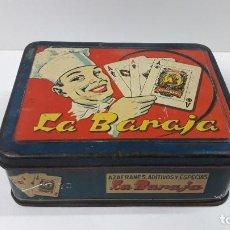 Cajas y cajitas metálicas: ANTIGUA CAJA METALICA AZAFRANES LA BARAJA . FCO GOMEZ TORREGROSA . NOVELDA - ALICANTE . AÑOS 50 / 60. Lote 231381515