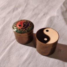 Caixas e caixinhas metálicas: LOTE DE 2 CAJITAS DE LATON YING Y YANG. Lote 234803975
