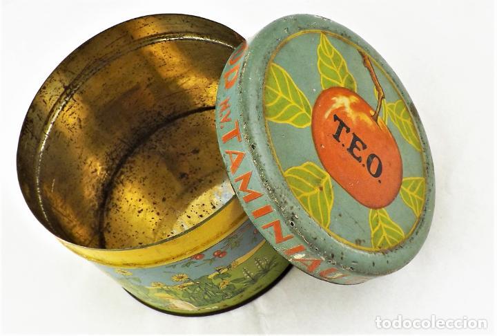 Cajas y cajitas metálicas: Lata de conservas T.E.O. (Alemania) años 30/40 Sello KD - Foto 2 - 237140920