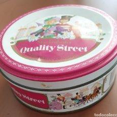 Cajas y cajitas metálicas: LATA QUALITY STREET. CHOCOLATES Y CARAMELOS. Lote 238054885