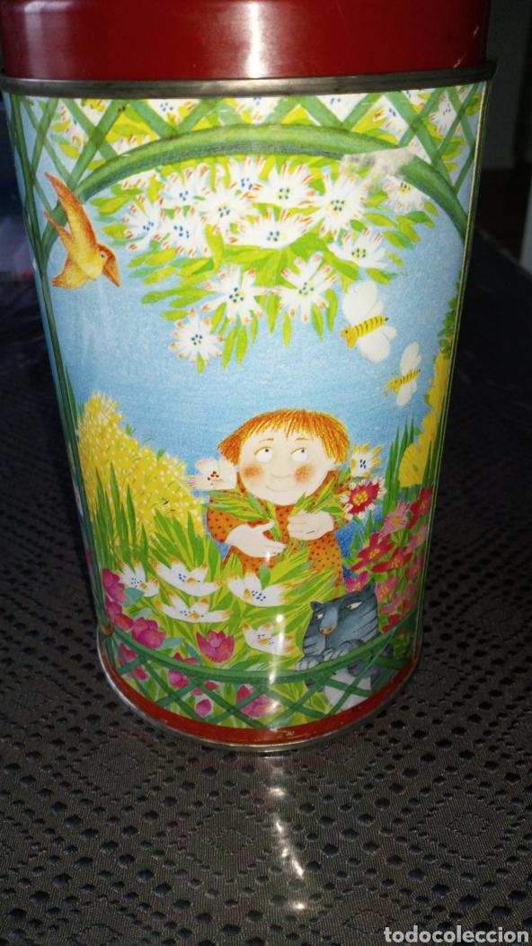 Cajas y cajitas metálicas: Antigua lata bote chapa hojalata litografíada niños en parque nocilla instant carme soie vendrell - Foto 2 - 239769305