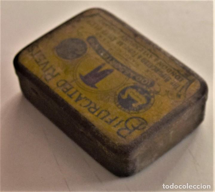 Cajas y cajitas metálicas: ANTIGUA CAJA METÁLICA DE REMACHES BIFURCATED RIVETS - MADE IN ENGLAND - 8 X 5,7 X 2,7 CM - Foto 7 - 241157620
