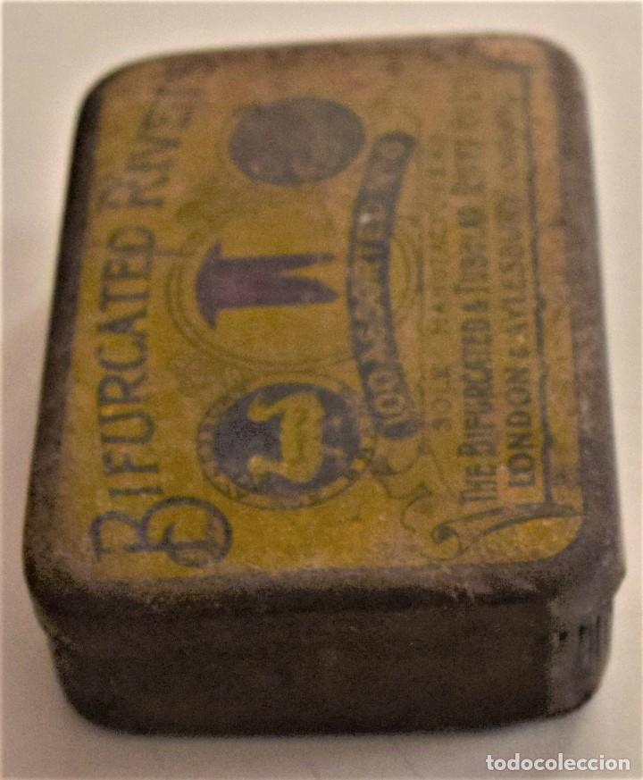 Cajas y cajitas metálicas: ANTIGUA CAJA METÁLICA DE REMACHES BIFURCATED RIVETS - MADE IN ENGLAND - 8 X 5,7 X 2,7 CM - Foto 8 - 241157620