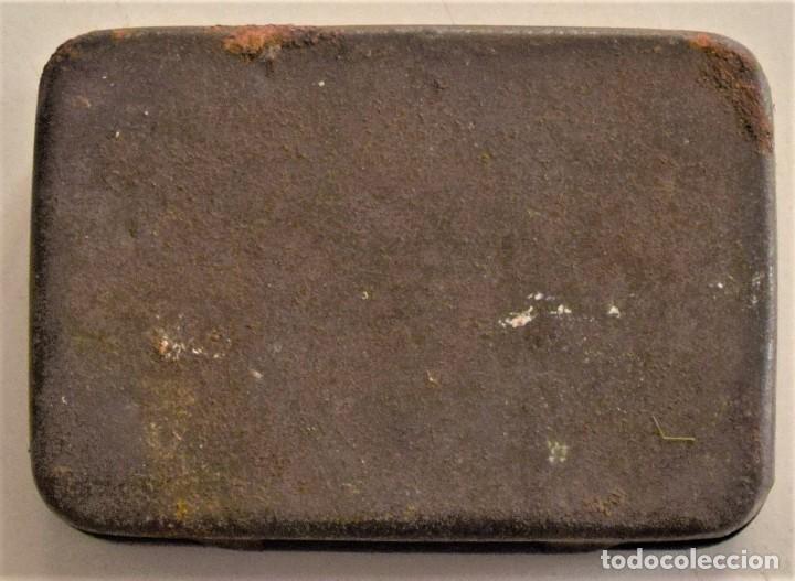 Cajas y cajitas metálicas: ANTIGUA CAJA METÁLICA DE REMACHES BIFURCATED RIVETS - MADE IN ENGLAND - 8 X 5,7 X 2,7 CM - Foto 11 - 241157620