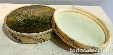 Cajas y cajitas metálicas: Caja redonda con pinturas miniatura. - Foto 9 - 244491590