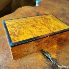 Cajas y cajitas metálicas: CAJA JOYERO EN RAIZ DE CIPRES 20X12X6 CM. Lote 246015895