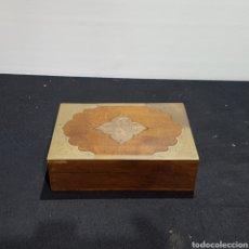 Cajas y cajitas metálicas: CAJA DE MADERA Y METAL. Lote 249467785