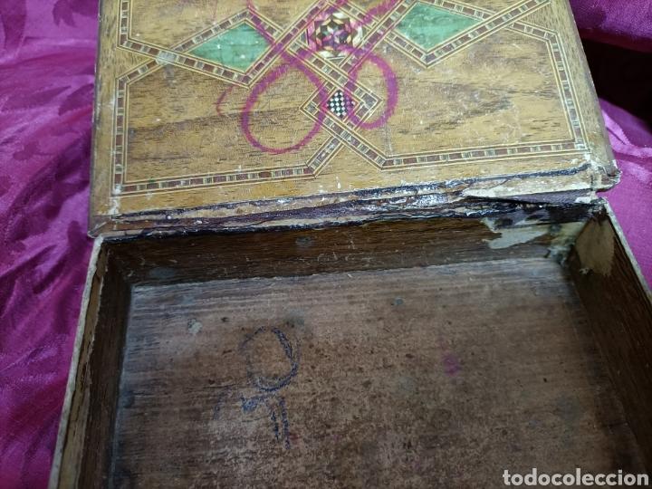 Cajas y cajitas metálicas: Original caja. Cartón. Patas de madera. 18 x 13 x 7 cms - Foto 4 - 253427495