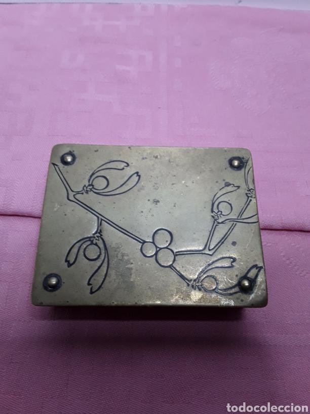 Cajas y cajitas metálicas: Caja para sellos - Foto 6 - 257296780